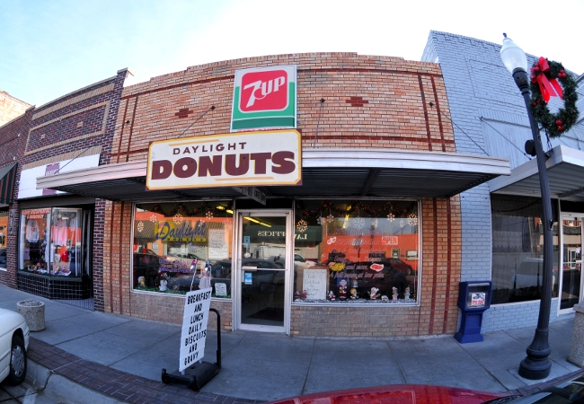 Daylight Donuts in downtown Gothenburg, Nebraska - December, 2010