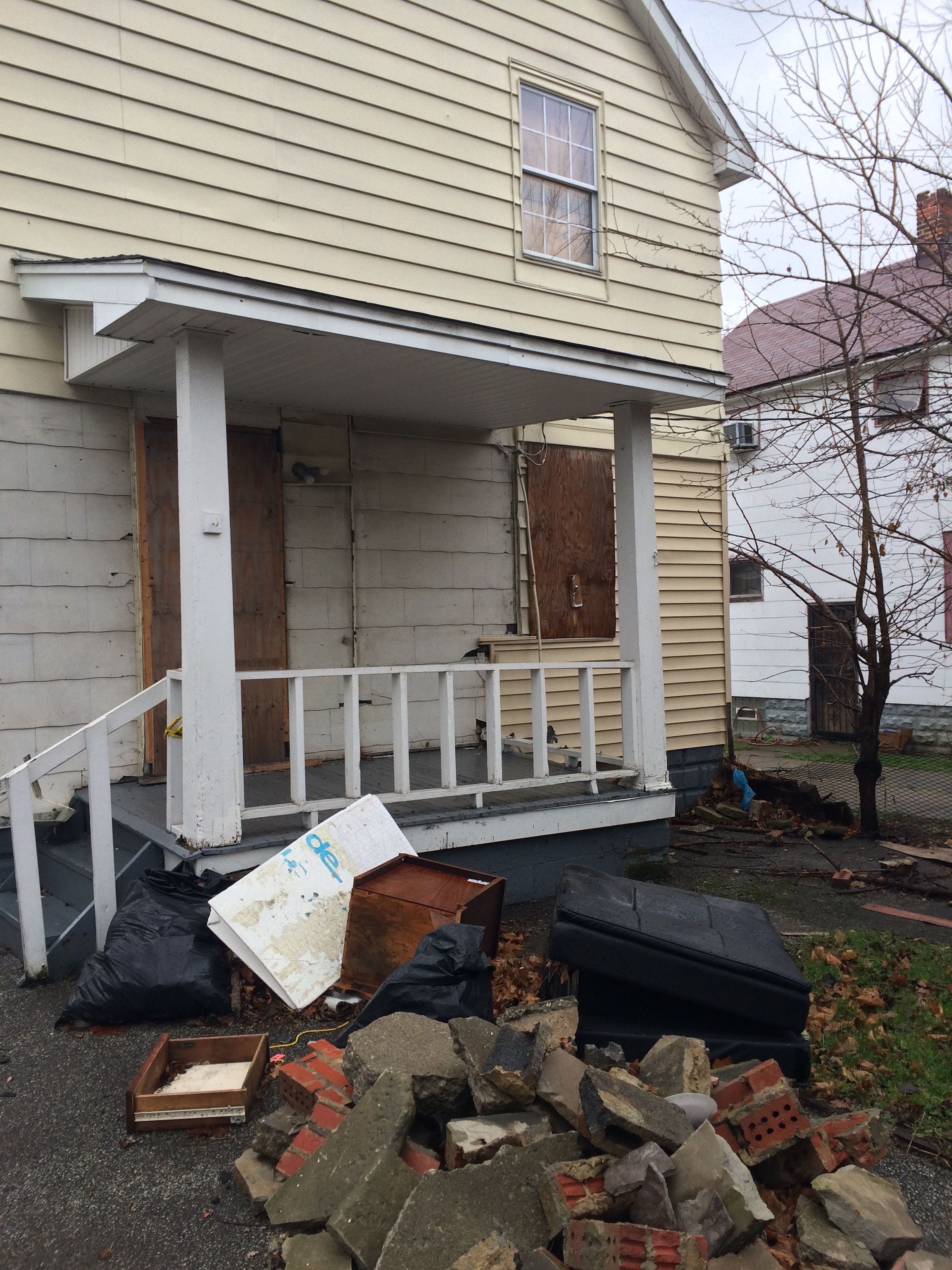 Cleveland Housing Network DESTROYING neighborhoods one house at a