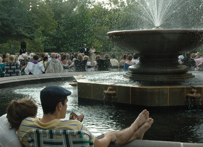 Clevelanders enjoying free opera in Italian Cultural Garden