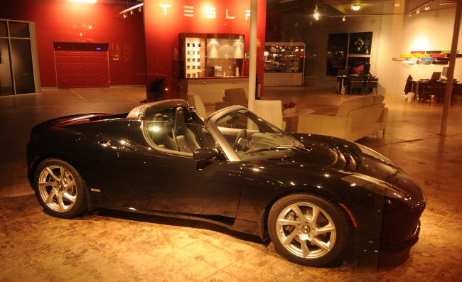 Tesla roadster at the Boulder Colorado Tesla Dealership Pearl Street Mall