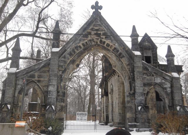 Cemetary: Monroe Avenue, Cleveland 44113