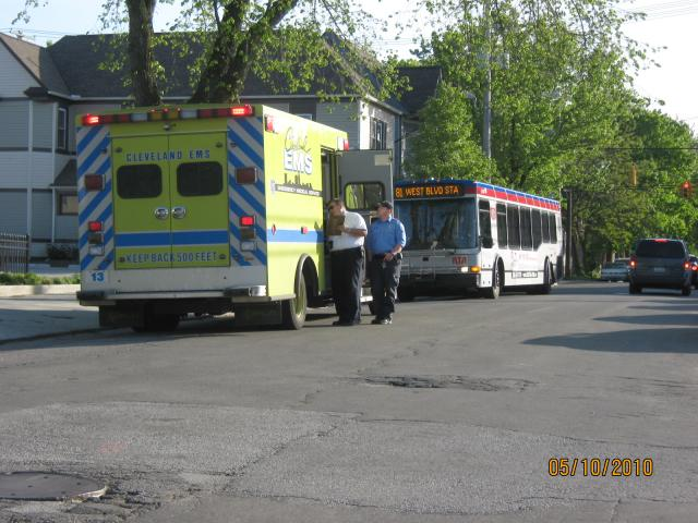 Accident_on_Jefferson_001.JPG