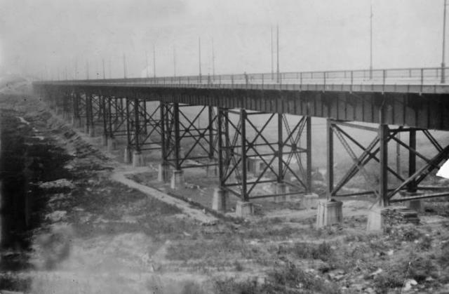 Clark_Avenue_Bridge_1917.jpg