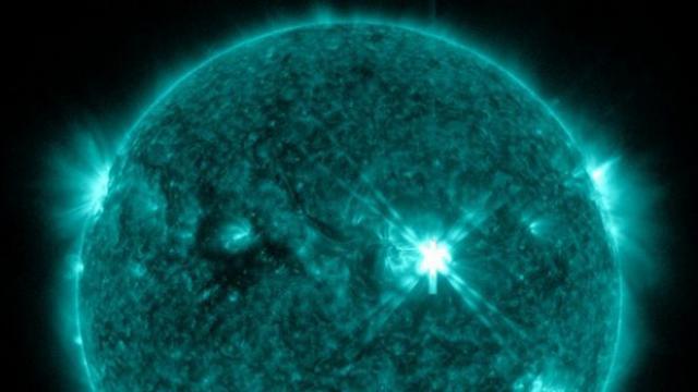 massive-solar-flare-x2-class.jpg