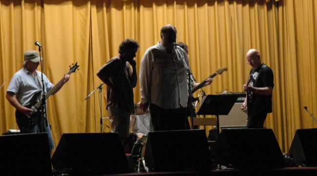 David Thomas and Pere Ubu doind their soundcheck before show at Beachland Ballroom in 2006